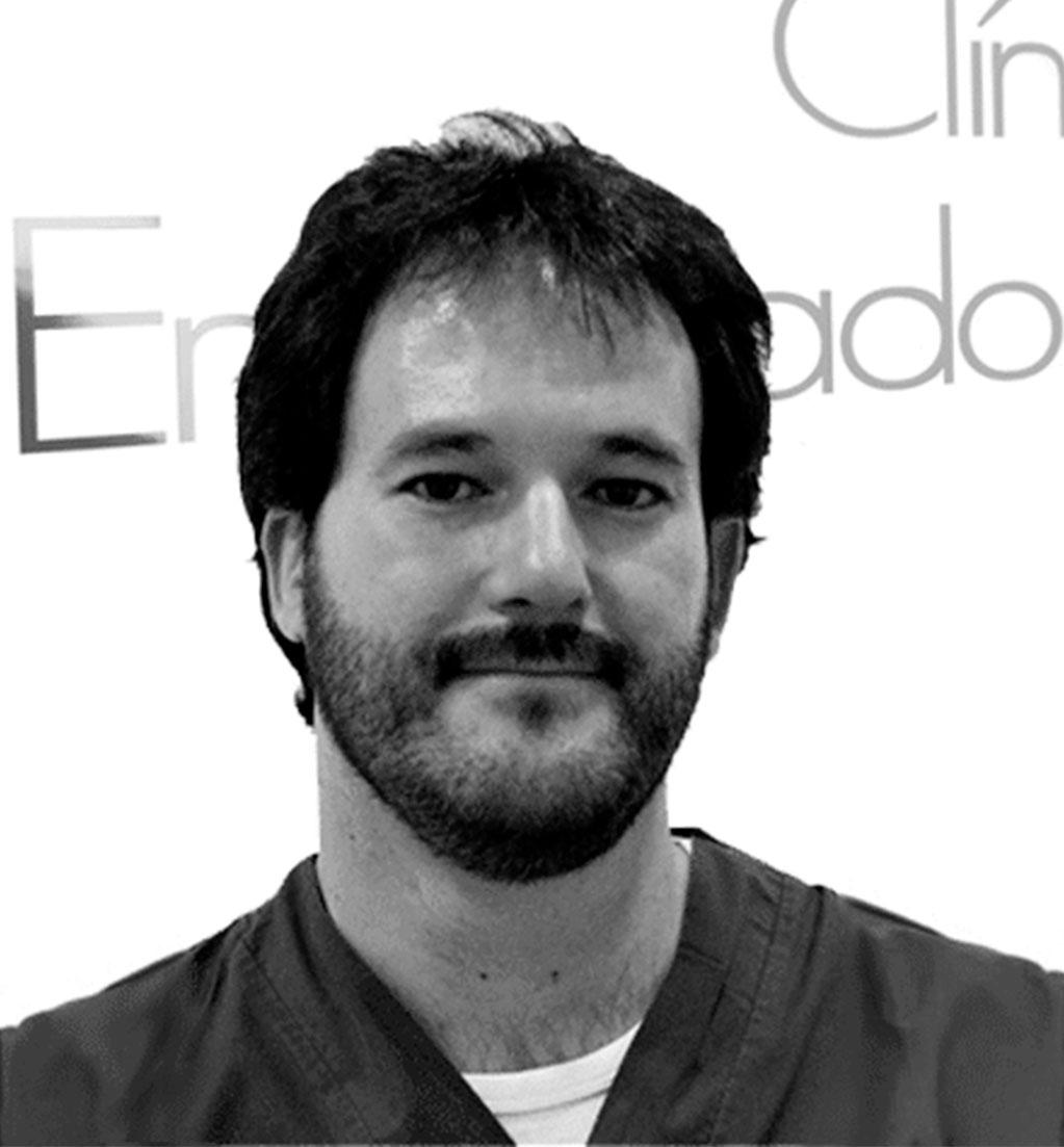 http://clinicadelpieembajadores.com/wp-content/uploads/2015/11/Carmona.jpg