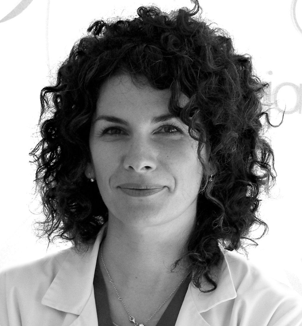 https://clinicadelpieembajadores.com/wp-content/uploads/2015/12/Diana-2.jpg